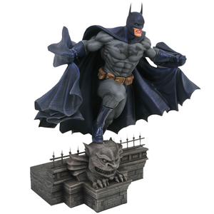 "Batman - Batman on Rooftop 9"" PVC DC Gallery Statue"