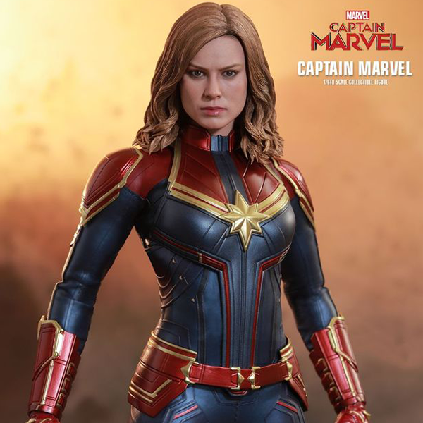 Captain Marvel - Captain Marvel 1:6 Scale Action Figure