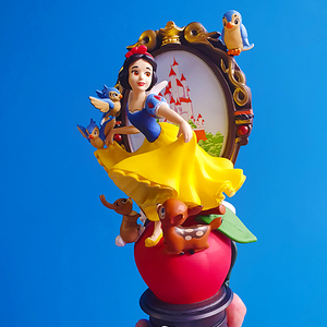 Disney - Snow White and the Seven Dwarfs D-Stage Diorama Statue