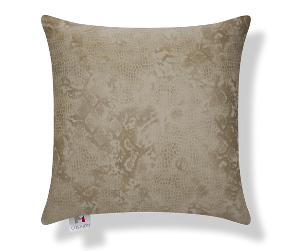 "18"" Sandy Snake M Cushion cover front."