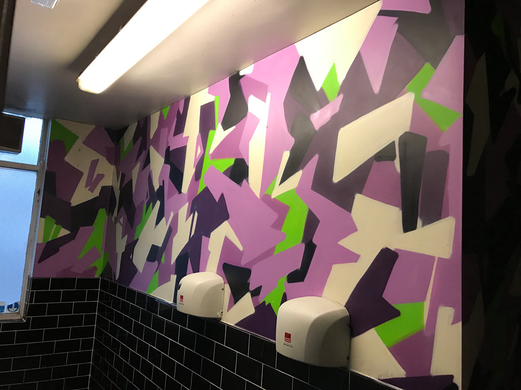 graffiti toilet camo in club