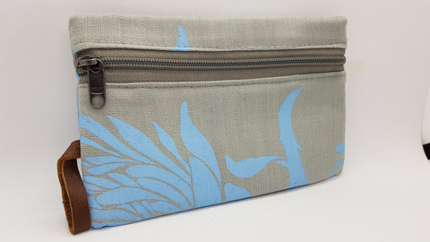 Stowe & so Phone/Purse Pouch. Light Blue on Light Grey.