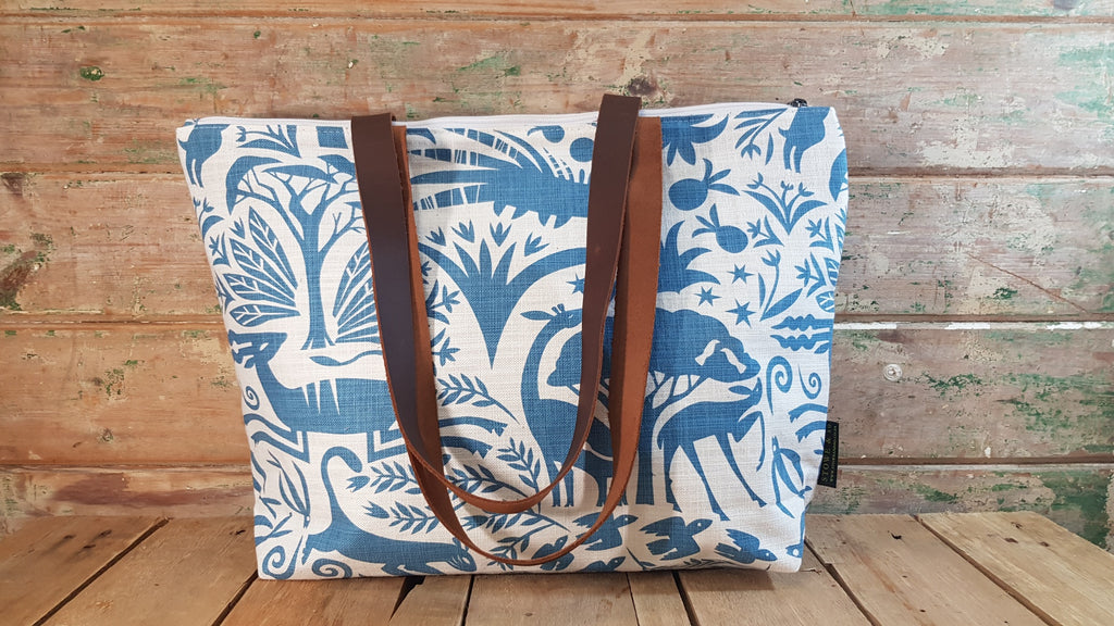 Stowe & so Me Bag. Fever Tree in Blue on Cream.