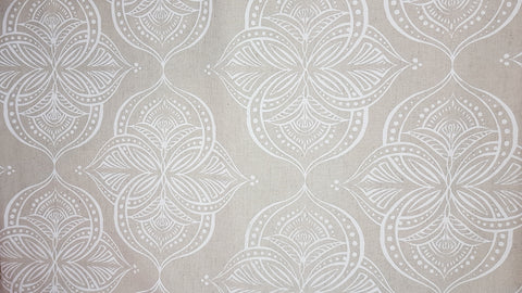 Stowe & so Table Cloth. 2m Waterlily in White on Stone.