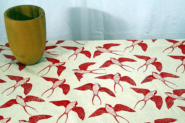 Stowe & so Table Cloth. Swallow.