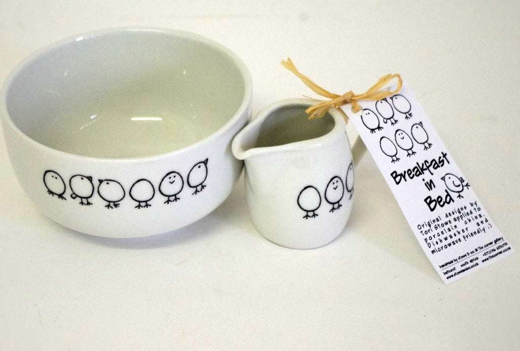 Stowe & so Breakfast In Bed Set: Chicks Design (Bowl & Milk Jug)