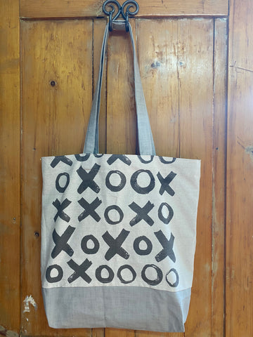 Shopper Bag. Hugs and Kisses in Grey on Stone