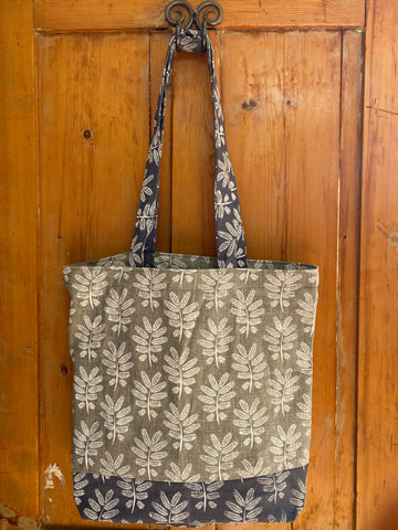 Shopper Bag. Acacia Leaf in Greys