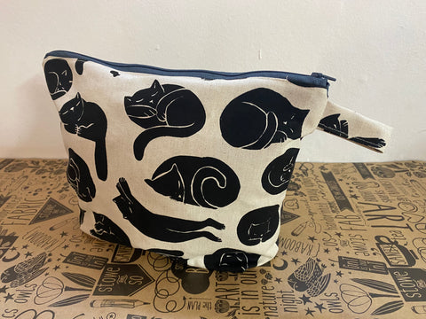 Stowe & so Oversized Toiletry/Cosmetic Bag. Kitty (Print one side only)