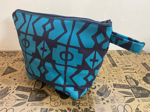 Stowe & so Oversized Toiletry/Cosmetic Bag. Geo Blue