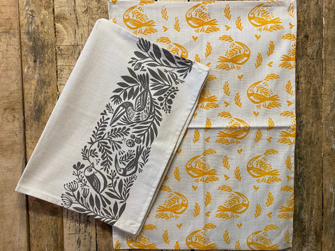 Stowe & So Tea Towel Set: Birds in Grey and Yellow