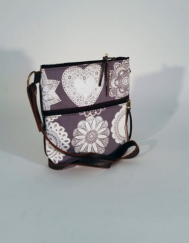Stowe & so Pouch Bag: Doily Design