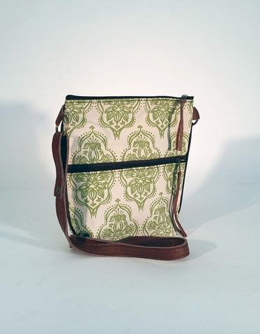 Stowe & so Pouch Bag:  Pigs Ear Design