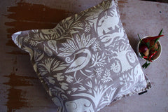 Stowe & so Scatter Cushion. Veldfolk Fevertree.