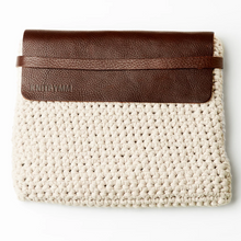 Load image into Gallery viewer, Han knitted white handbag