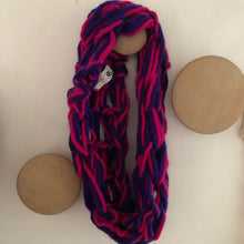 Load image into Gallery viewer, Violet rose scarf