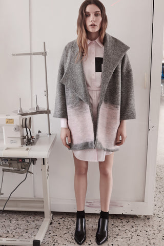 Oversize coat with felting details
