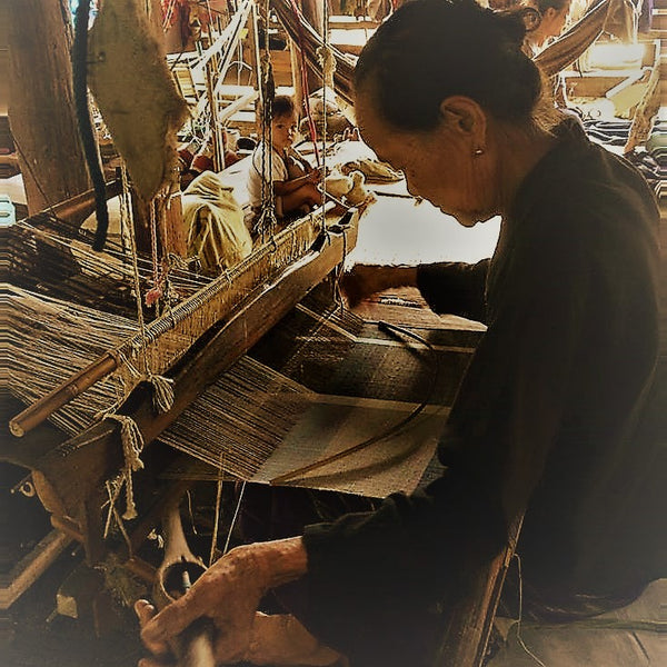 Love Quality Image traditional lanna loom weaving