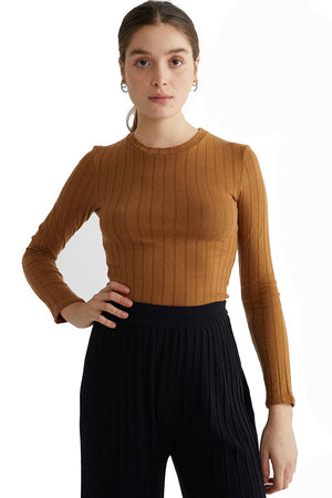 Thinking Mu Caramel Trash Alpan top | Sophie Stone