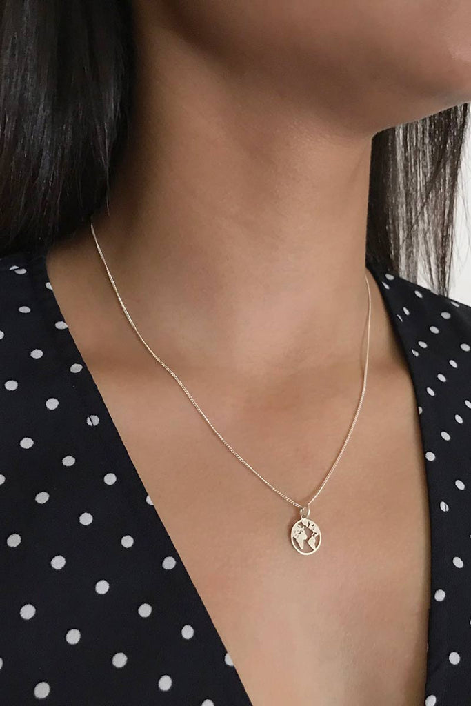 Jules Bean Carry the World ketting | Sophie Stone