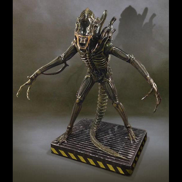 Hollywood Collectibles Group Alien Warrior Life Size Statue
