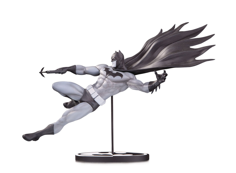 DC Collectibles Batman Black & White Batman by Doug Mahnke Statue