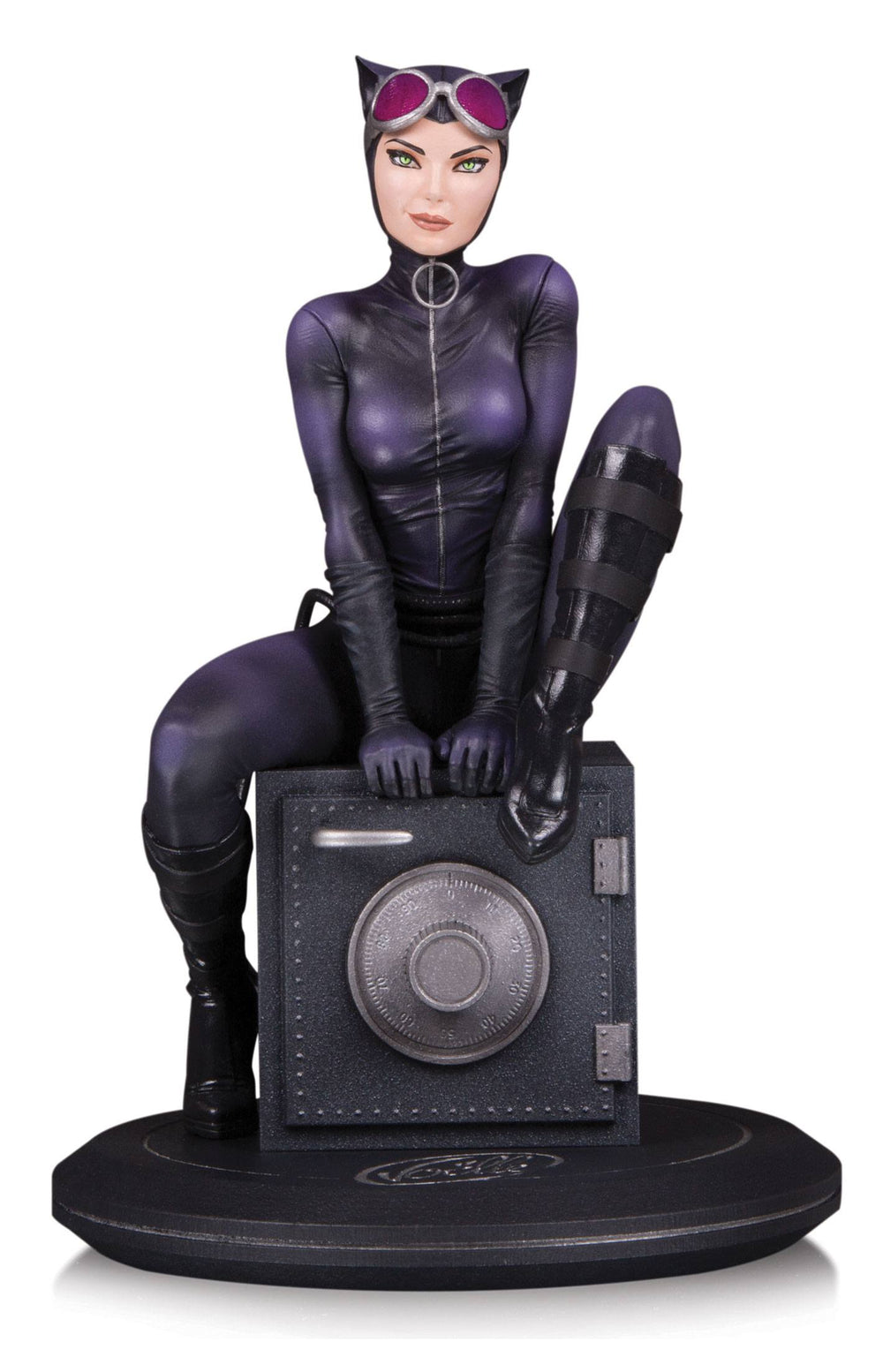 DC Collectibles DC Comics Cover Girls Catwoman by Joelle Jones 1/8 Statue