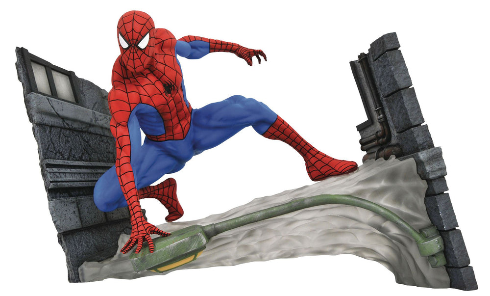 Diamond Select Toys Marvel Comic Gallery Spider-Man Webbing PVC Statue