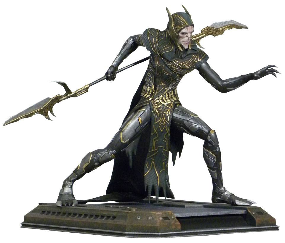 Diamond Select Toys Marvel Movie Gallery Avengers: Infinity War Corvus Glaive PVC Statue