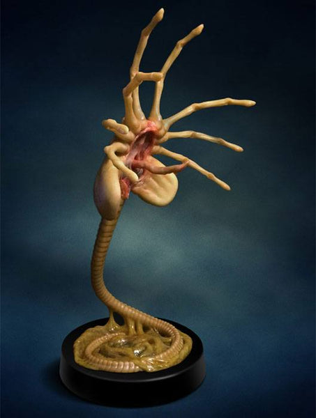 Hollywood Collectibles Group Aliens Facehugger Life-Size Statue