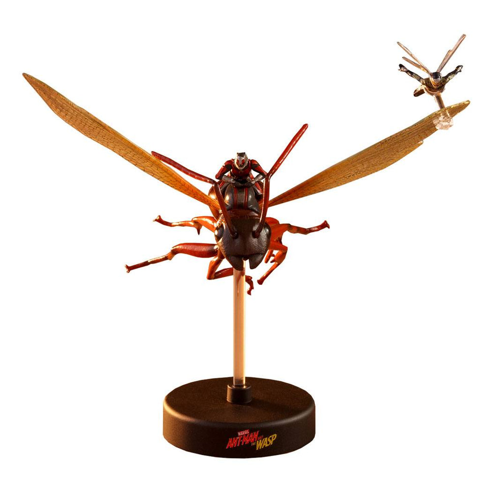 Hot Toys Ant-Man & The Wasp Compact Series Diorama Ant-Man on Flying Ant and the Wasp