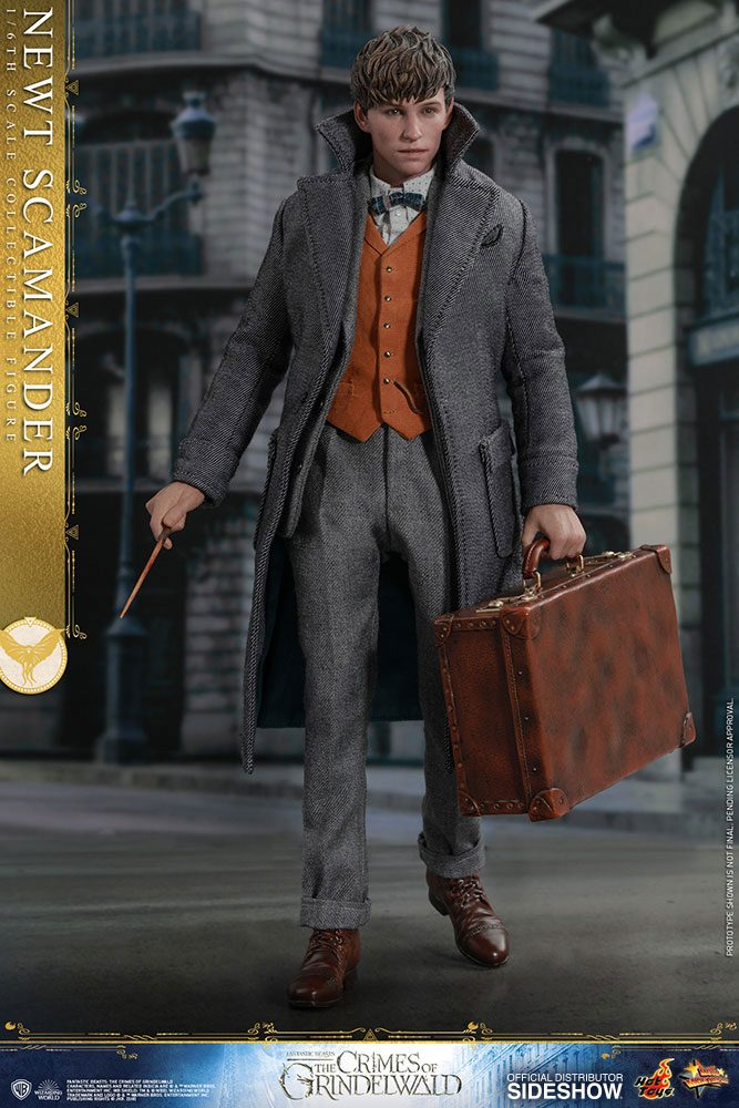 Hot Toys Fantastic Beasts 2 Newt Scamander 1/6 Action Figure