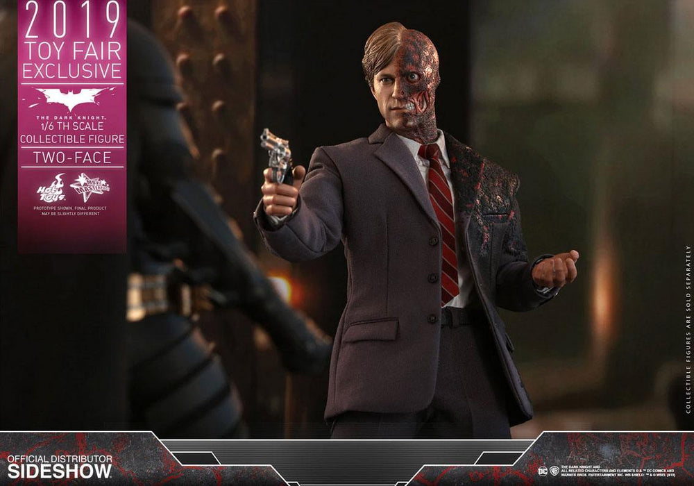 Hot Toys The Dark Knight Two-Face 2019 Toy Fair Exclusive 1/6 Action Figure