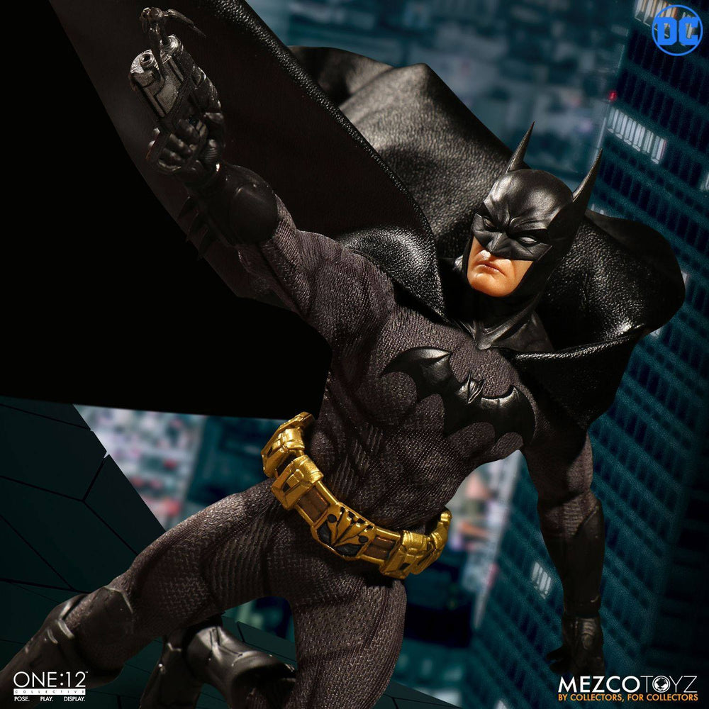 Mezco Toyz DC Comics Batman Sovereign Knight 1/12 Action Figure