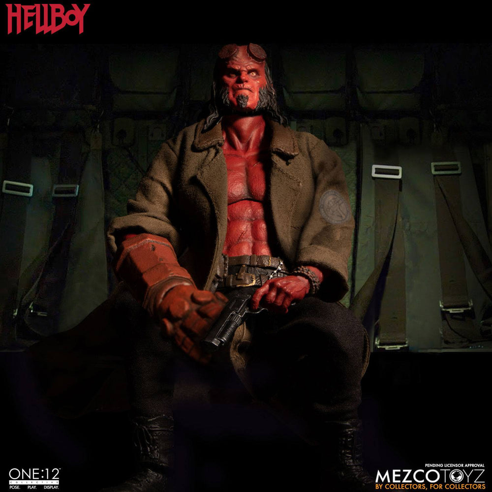 Mezco Toyz Hellboy (2019) Hellboy 1/12 Action Figure
