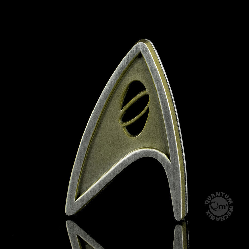 Quantum Mechanix Star Trek Beyond Magnetic Insignia Badge - Science Prop Replica - Movie Figures - 1