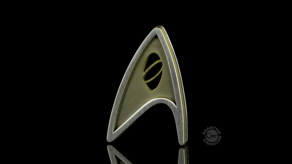 Quantum Mechanix Star Trek Beyond Magnetic Insignia Badge - Science Prop Replica - Movie Figures - 2