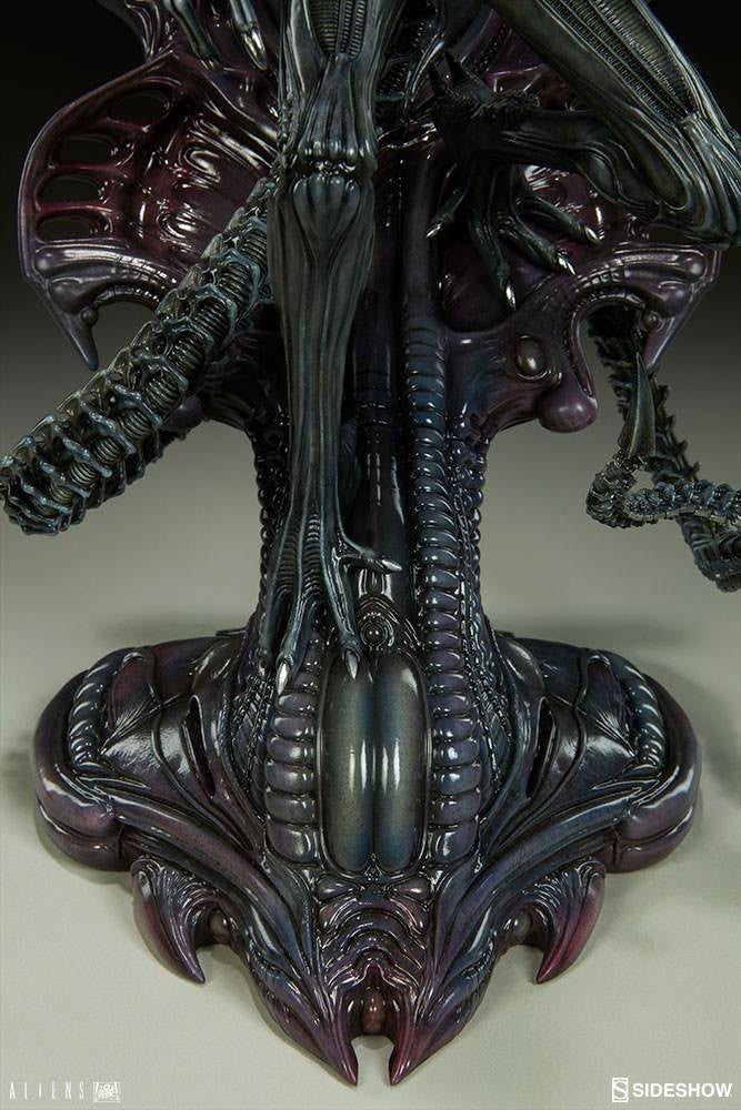 Sideshow Collectibles Aliens Alien Warrior Statue
