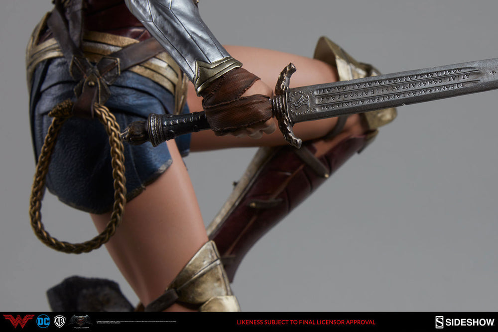 Sideshow Collectibles Batman v Superman DOJ Wonder Woman Premium Format Figure 1/4 Statue Used For Video Review
