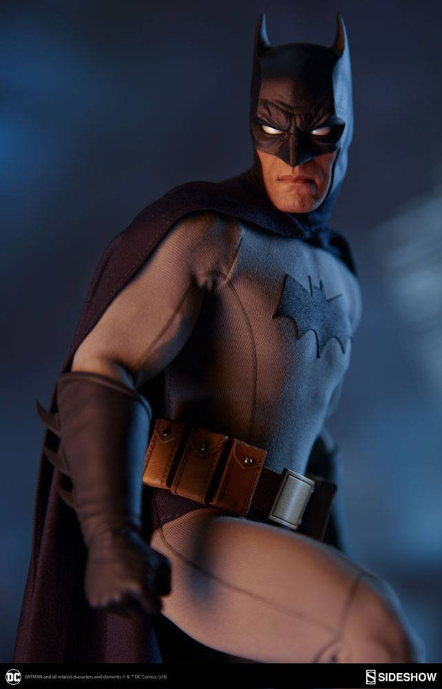 Sideshow Collectibles DC Comics Batman 1/6 Action Figure