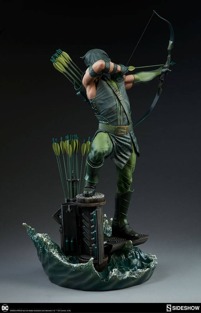 Sideshow Collectibles DC Comics Green Arrow Premium Format Figure 1/4 Statue