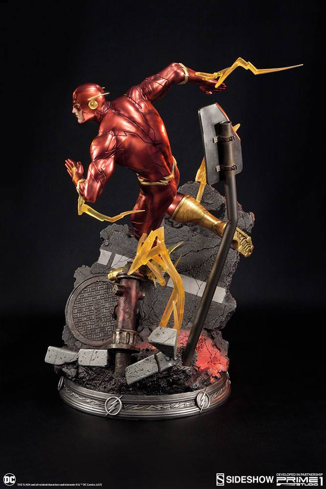 Sideshow Collectibles DC Comics Justice League New 52 The Flash Statue