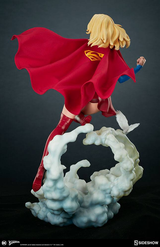 Sideshow Collectibles DC Comics Supergirl Premium Format Figure 1/4 Statue