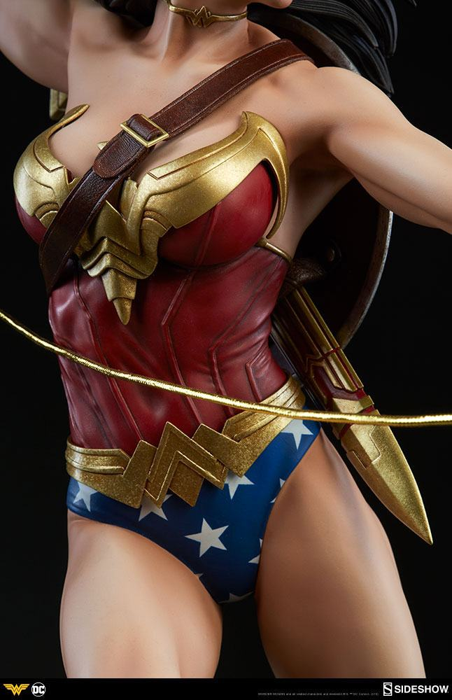 Sideshow Collectibles DC Comics Wonder Woman Premium Format Figure 1/4 Statue