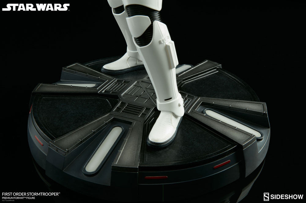 Sideshow Collectibles Star Wars First Order StormTrooper Premium Format Figure Statue - Movie Figures - 12