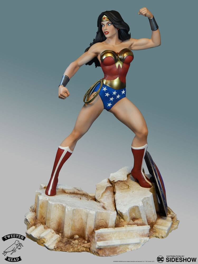 Sideshow Collectibles Tweeterhead DC Comic Super Powers Collection Wonder Woman Maquette Statue