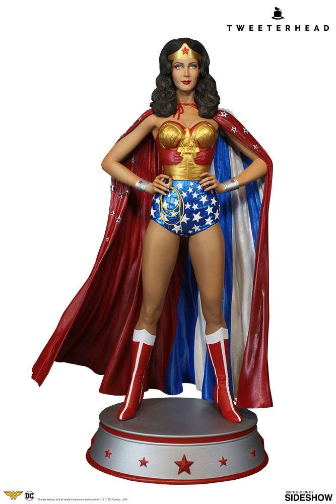 Sideshow Collectibles Tweeterhead DC Comic Wonder Woman Cape Variant Maquette