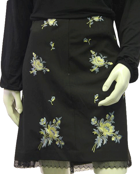 Karen Kane  Black Flower Skirt Size 16 SKU 000054