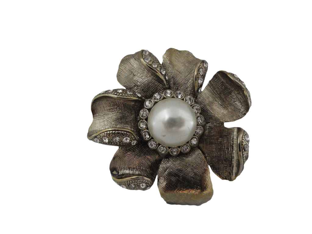 Brooch Flower Silver Embellished (SKU 004002-35)