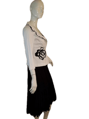 Renato Nucco White and Black Flowered Top Size 36 (SKU 000141)
